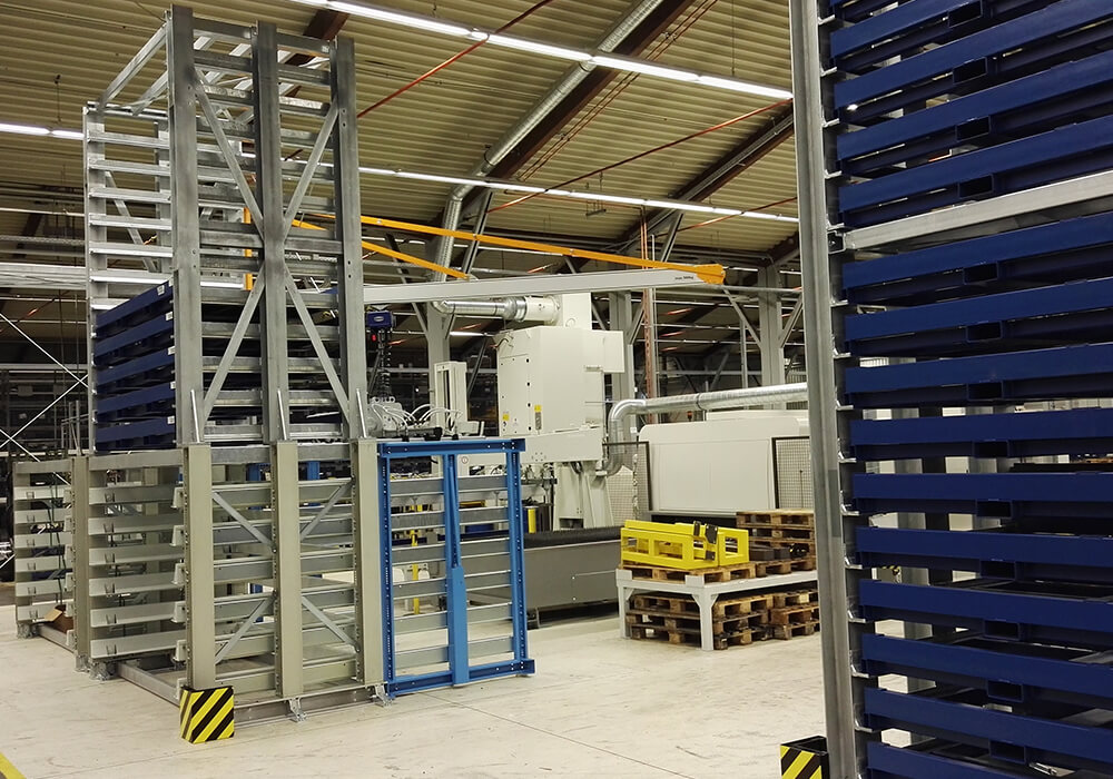 Automatic sheet metal storage system replaced by an intelligent storage system