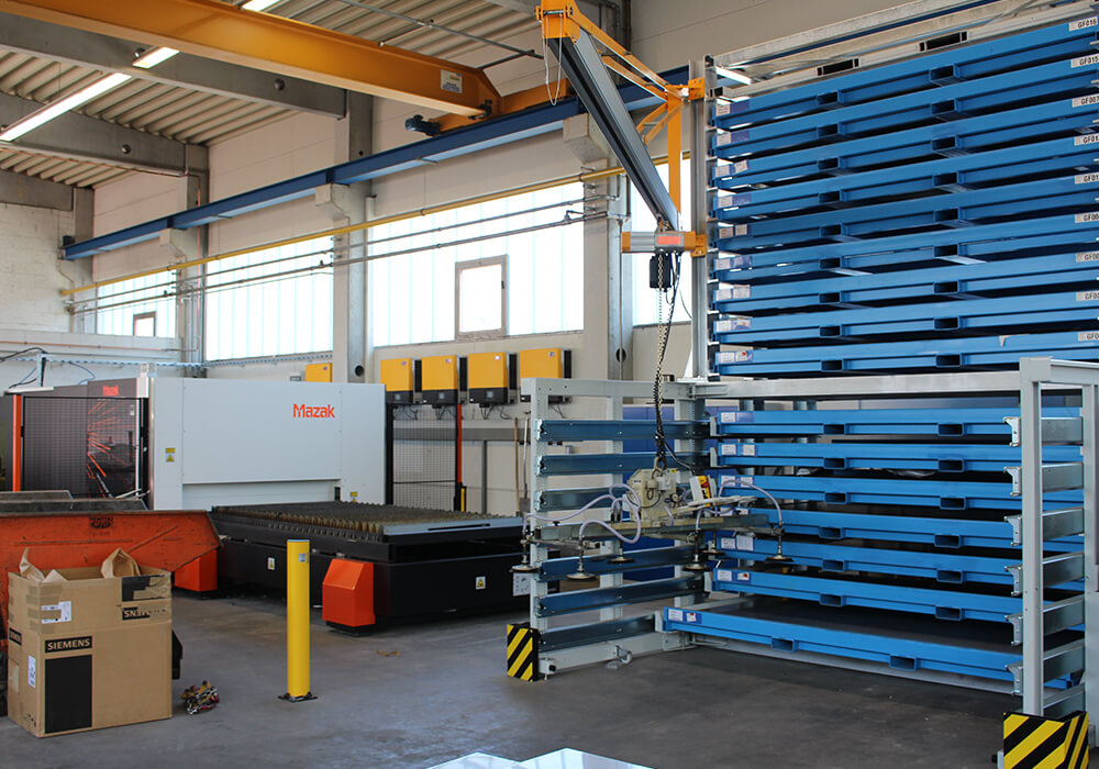 Storage system for sheet metal plates and metal sheet packages at Mazak laser