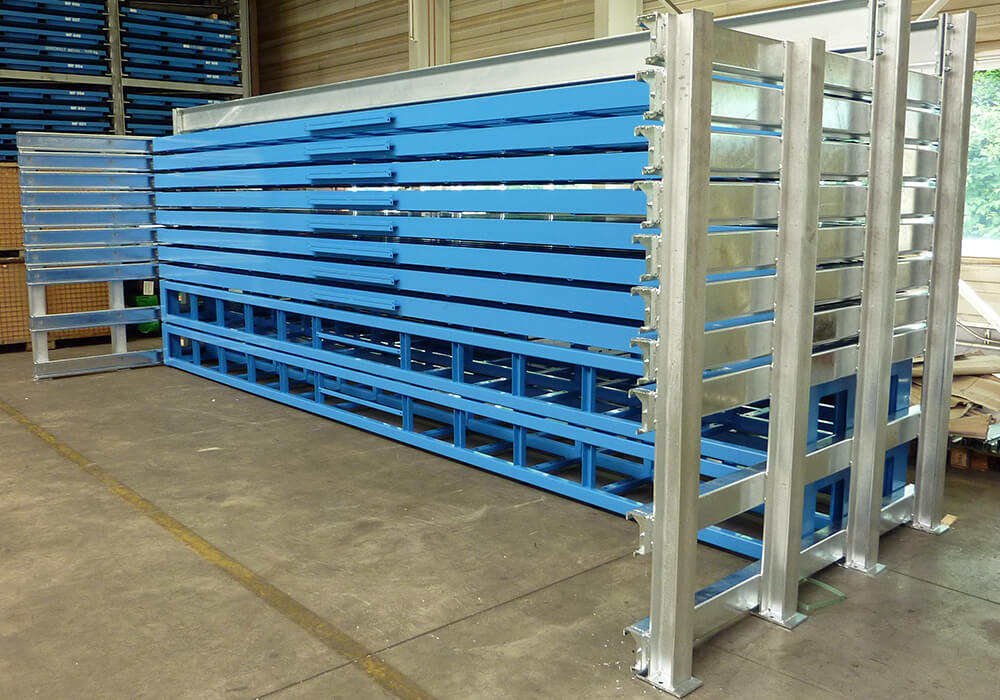 Heavy duty rack for storing long goods material, bars, profiles and pipes